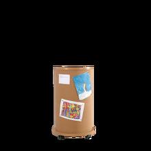 Mobile Litfaßsäule aus hochwertigem Narturkork