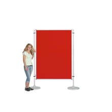 Moderationswand, Coronaschutzwand mit doppelseitigier Klettenstoffoberfläche Serie NSTT F B/H: 120x100 cm, Stofffarbe Rot.